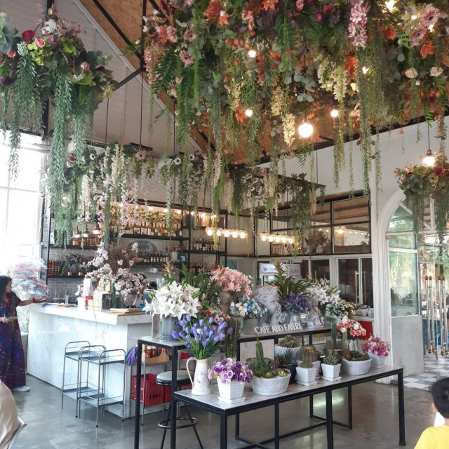 Florista Cafe And Eatery